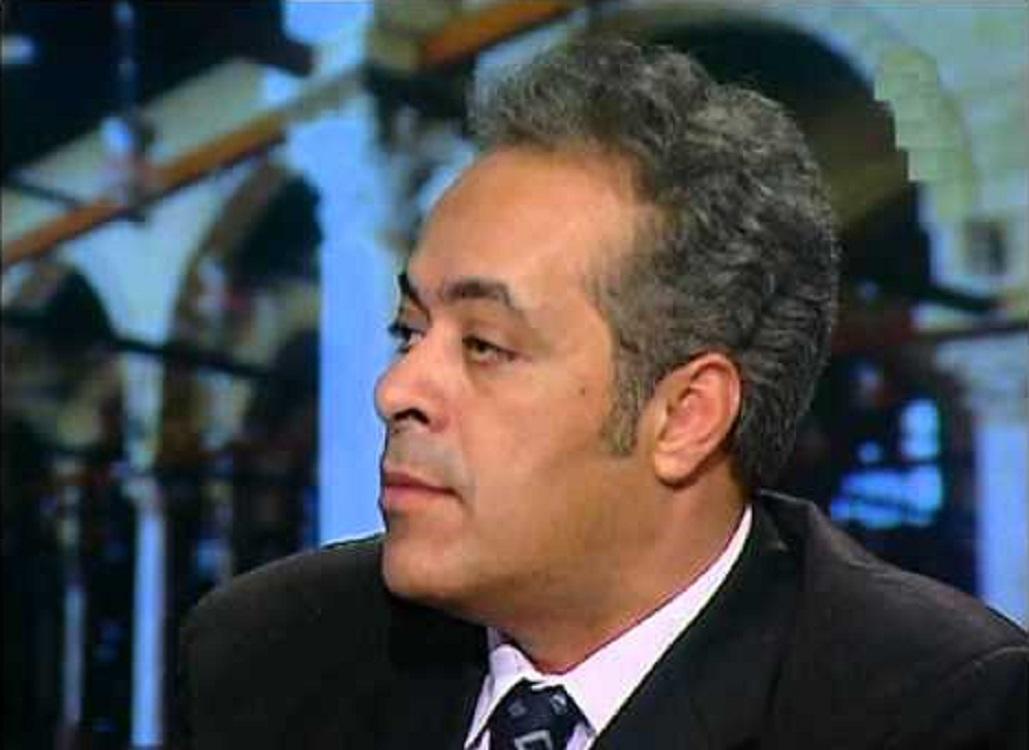 جمال سلامة أستاذ ورئيس قسم العلوم السياسية جامعة السويس. *