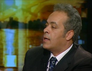 جمال سلامة علي أستاذ و رئيس قسم العلوم السياسية جامعة السويس